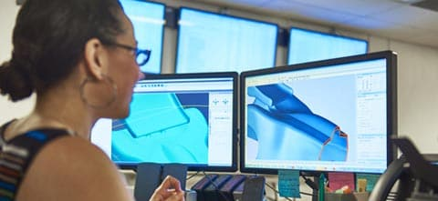 a 3d printing design services engineer prepares an stl file from a cad drawing